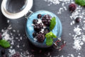 SMOOTHIE BOWL MED BLÅ SPIRULINA